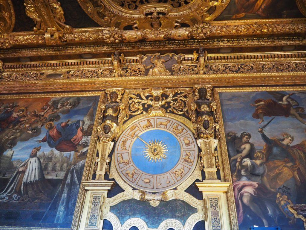 ドゥカーレ宮殿(Palazzo Ducale, Doge's Palace)の元老院(Sala del Senato)の間にある星座時計