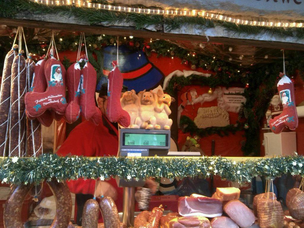 ドレスデン・シュトリーツェルマルクト((The Dresden Striezelmarkt)のクリスマスマーケットのサラミ屋