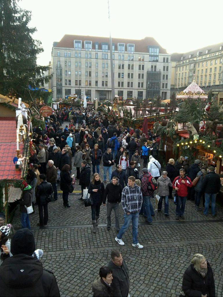 ドレスデン・シュトリーツェルマルクト((The Dresden Striezelmarkt)のクリスマスマーケットの様子