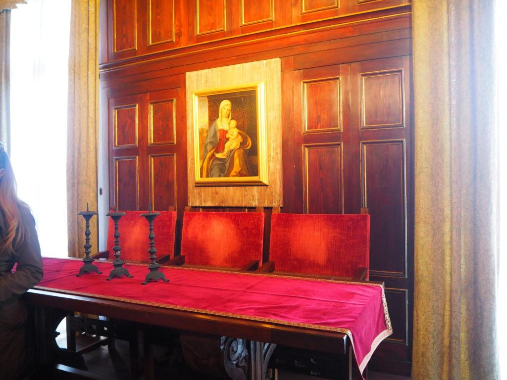 ドゥカーレ宮殿のシークレットツアーで見られる尋問官の部屋や三司法官の部屋