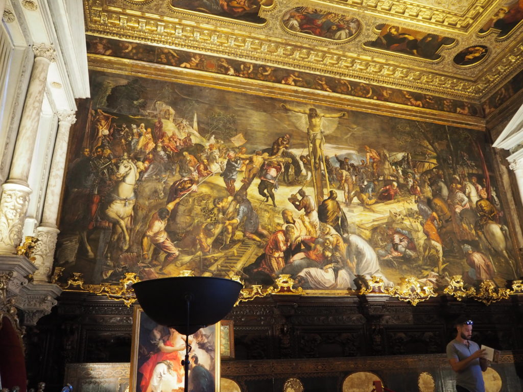 ヴェネツィアのスクオーラ・グランデ・ディ・サン・ロッコ(Scuola Grande diSan Rocco)の2階大広間(Sala Capitolare)の接客の間(Sala dell'Albergo)のティントレットの「キリストの磔刑」