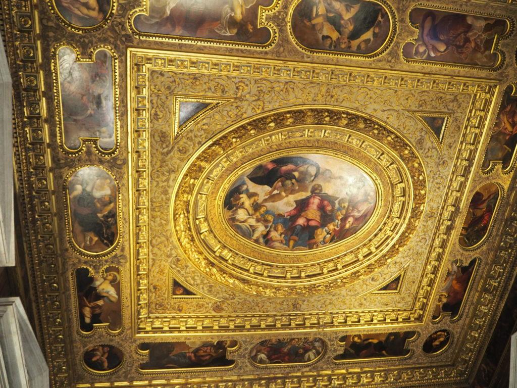 ヴェネツィアのスクオーラ・グランデ・ディ・サン・ロッコ(Scuola Grande diSan Rocco)の2階大広間(Sala Capitolare)の接客の間(Sala dell'Albergo)
