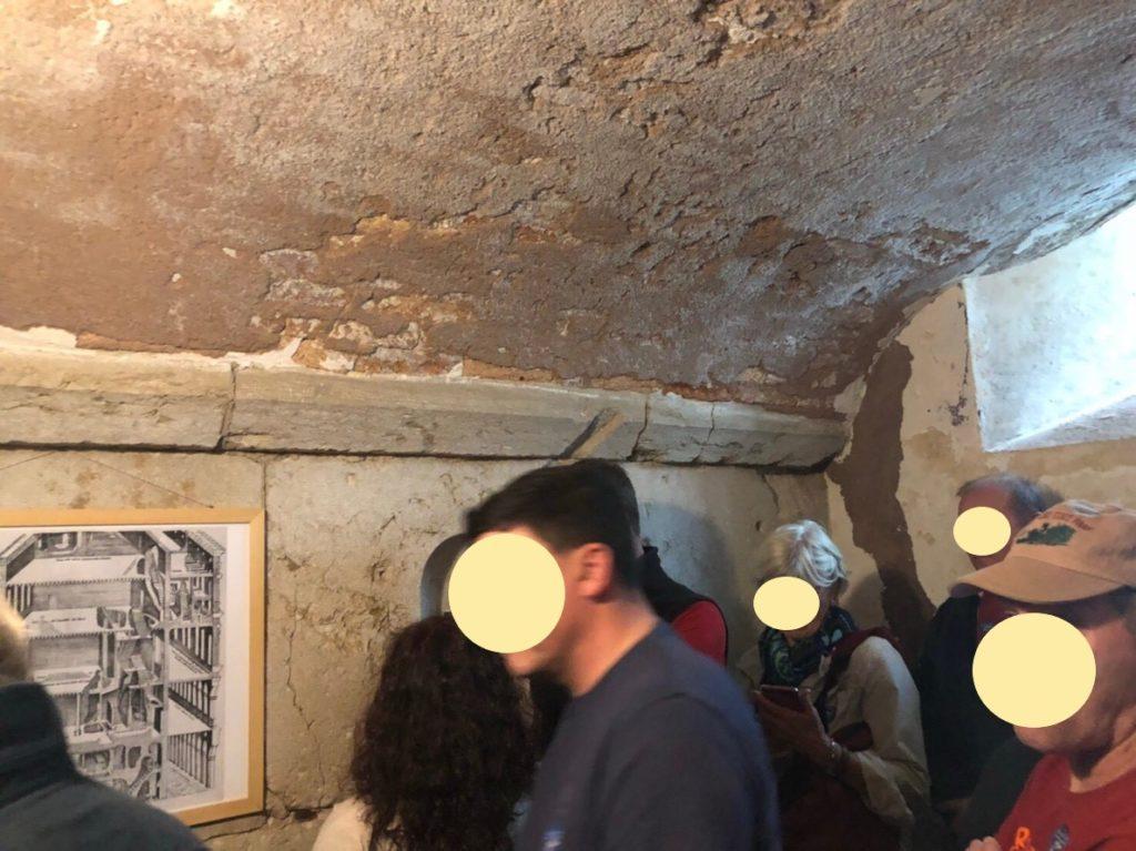 ドゥカーレ宮殿のシークレットツアーで見た地上階の牢獄
