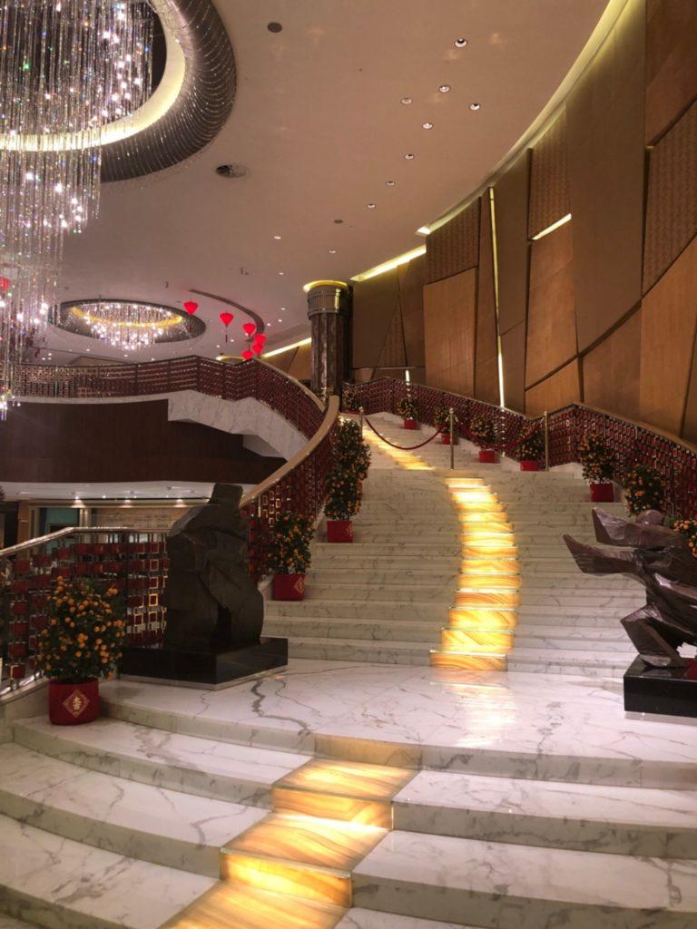 グランド・リスボア・マカオ(Grand Lisboa Macau)のロビー裏の階段