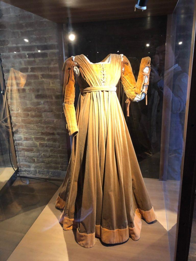 ヴェローナのジュリエットの家(Casa di Giulietta)に展示されているジュリエットのドレスの衣装
