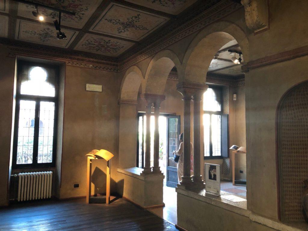 ヴェローナのジュリエットの家(Casa di Giulietta)の中の様子
