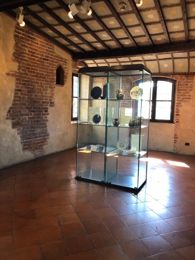 ヴェローナのジュリエットの家(Casa di Giulietta)に展示されている食器