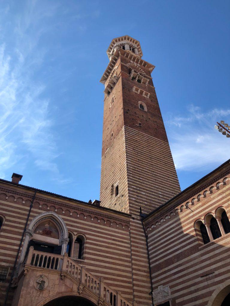 ランベルティの塔(Torre dei Lamberti)