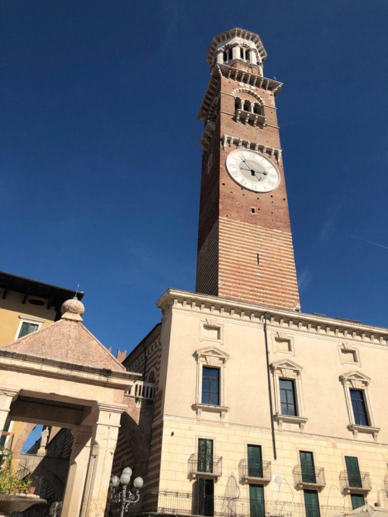 ヴェローナのランベルティの塔(Torre dei Lamberti)
