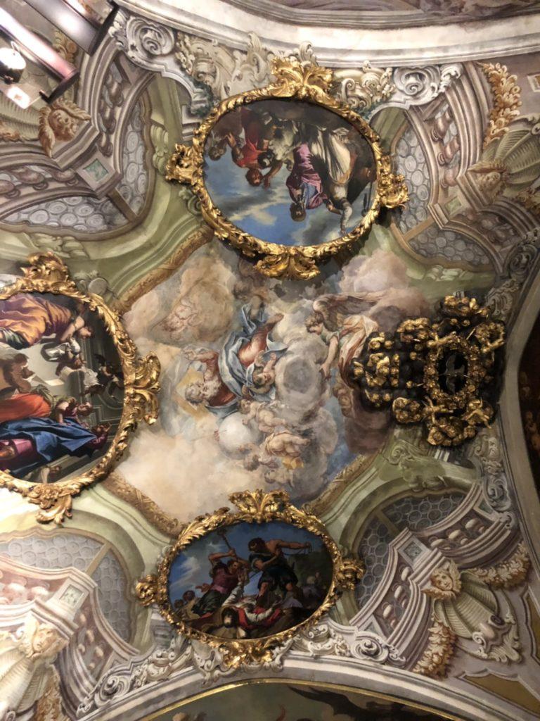 ヴェローナのアキッレ・フォルティ現代美術館(Galleria d'Arte Moderna Achille Forti)内の公証人の礼拝堂のフレスコ画