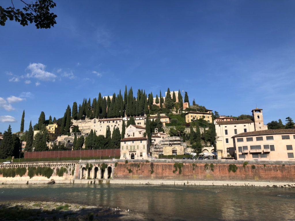 ヴェローナのサン・ピエトロ城(Castel San Pietro)外観
