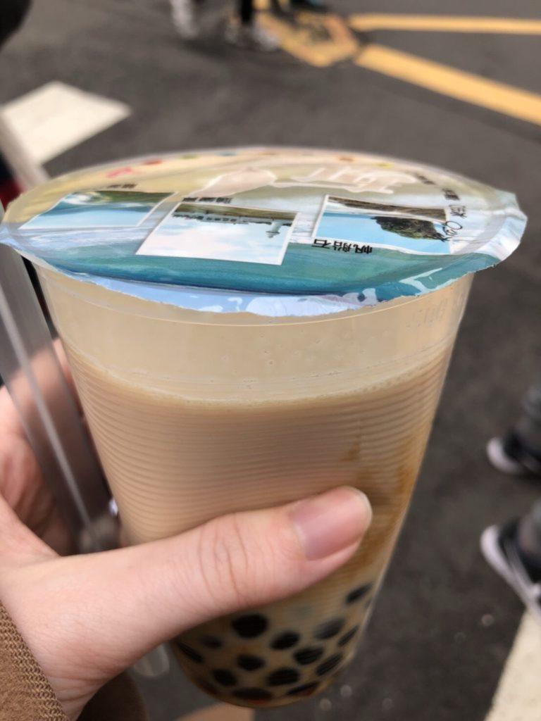 台湾の陳三鼎の黒糖タピオカミルク(青蛙撞奶)