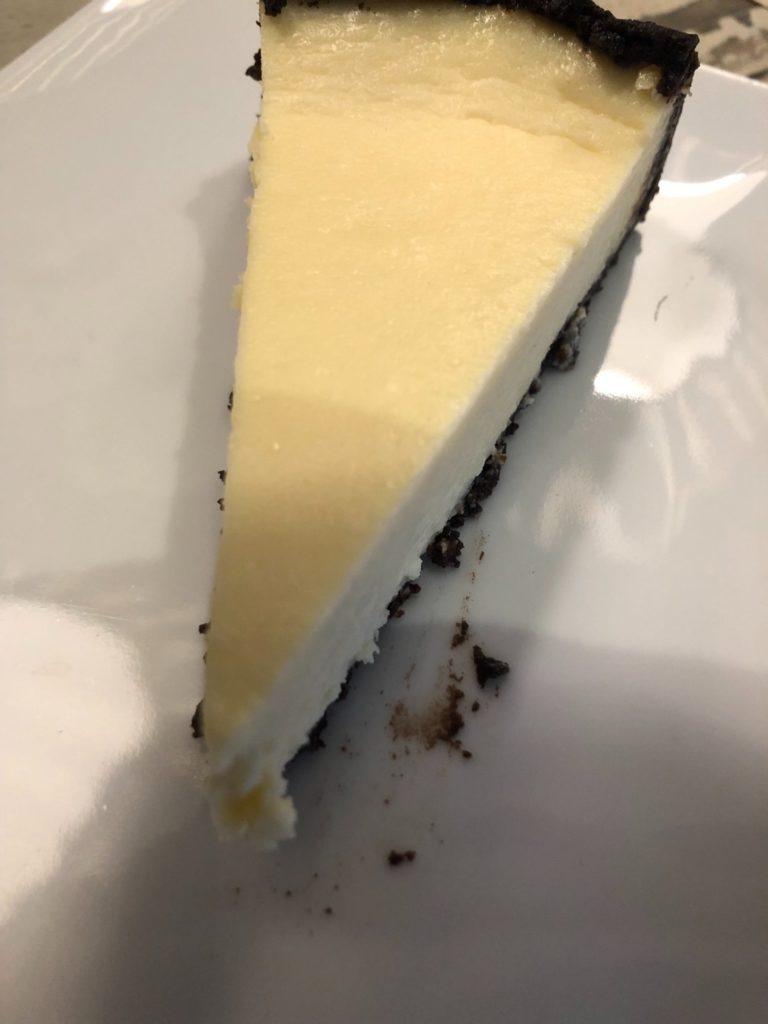 デュッセルドルフのカフェ、PYC cheesecake & galleryのオレオチーズケーキ