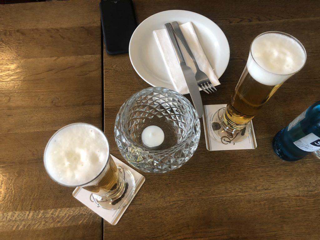 デュッセルドルフのギリシャ料理店、EstiaのPilsビール