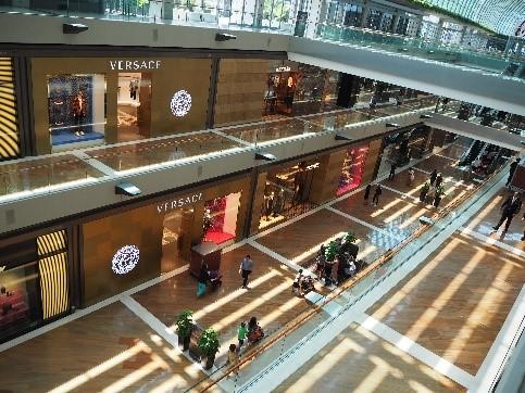 シンガポールのザ・ショップス アット マリーナベイ・サンズのラグジュアリーブランドの店
