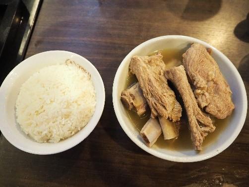 ソンファ・バクテー(松發肉骨茶)のバクテー