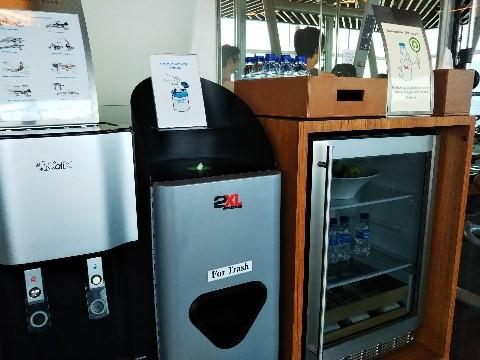 シンガポールのマリーナベイサンズのフィットネスジムの冷蔵庫