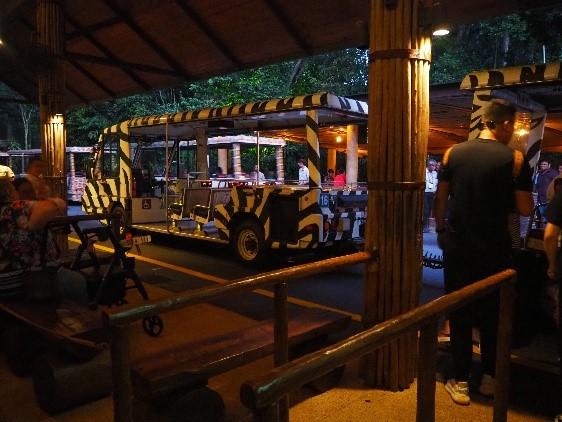 シンガポールのナイトサファリのトラム