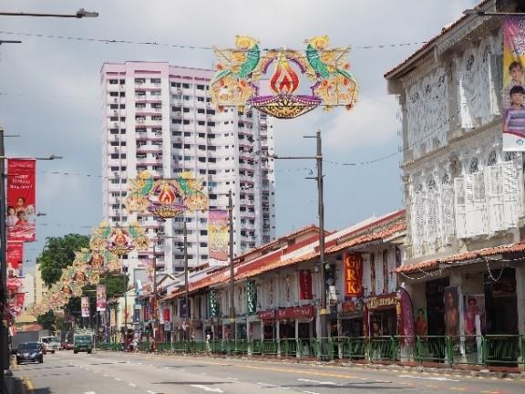 シンガポールのリトルインディアのセラングーン通り