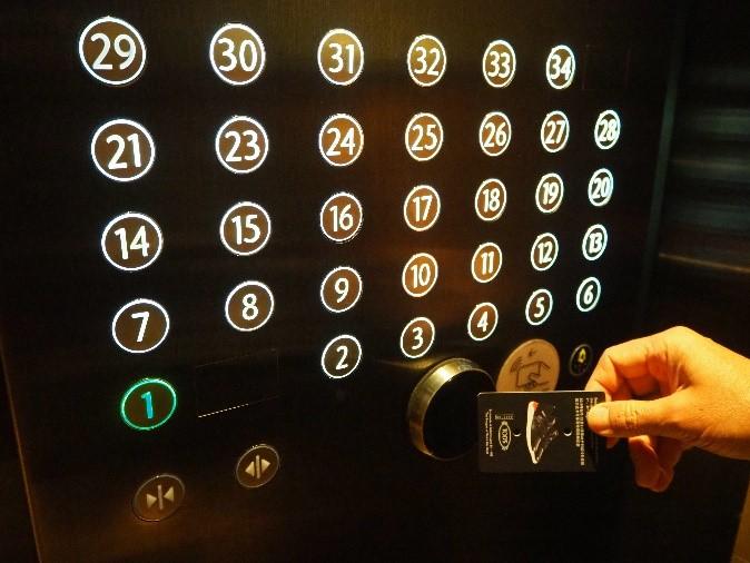 シンガポールのマリーナベイサンズのエレベーター