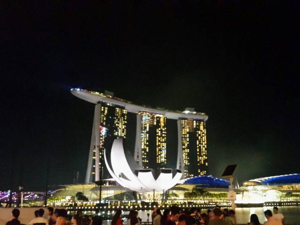シンガポールのマリーナベイサンズの夜景