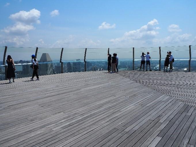 シンガポールのサンズ・スカイパーク展望デッキ(sands skypark observation deck)