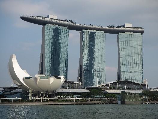 シンガポールのリバークルーズから見たマリーナベイサンズホテル