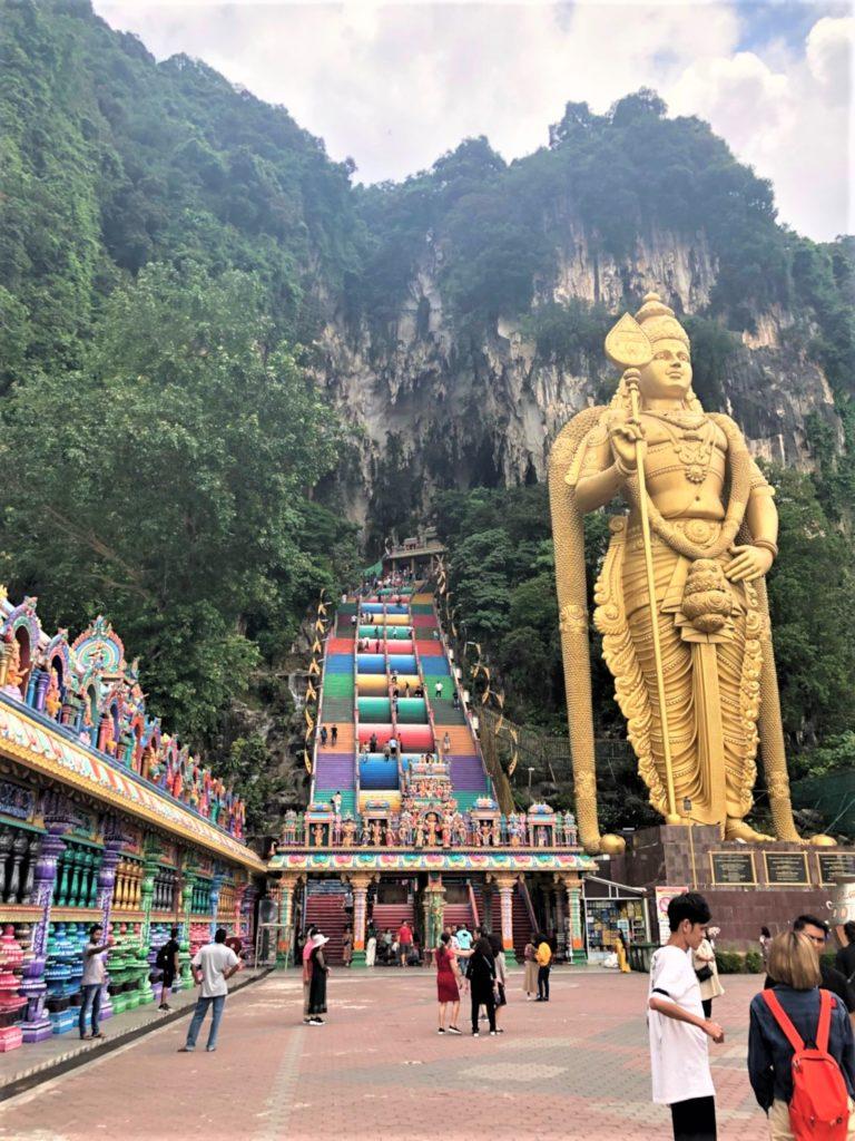 マレーシアのバトゥ洞窟正面