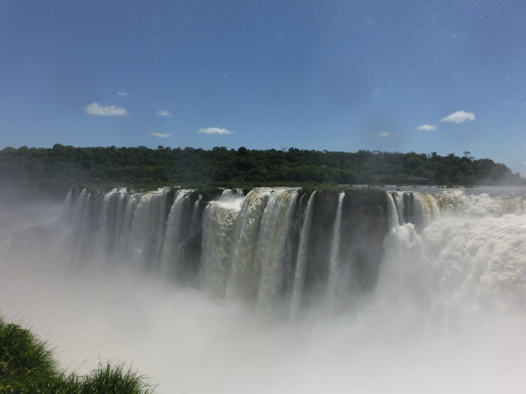 イグアスの滝の悪魔の喉笛